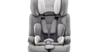 Le siège auto enfant : dos ou face à la route